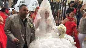 Juan Manuel Reyes Macías, apodado 'el Potito', junto a su hermana el día de su boda.