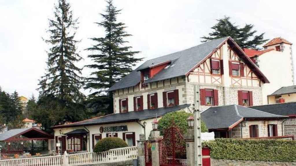 Fachada de la residencia Mirasierra, en Cercedilla.