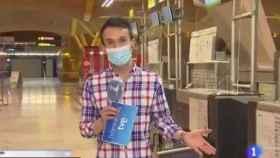 Críticas a un reportero de 'Telediario' por imitar a Papuchi en un directo