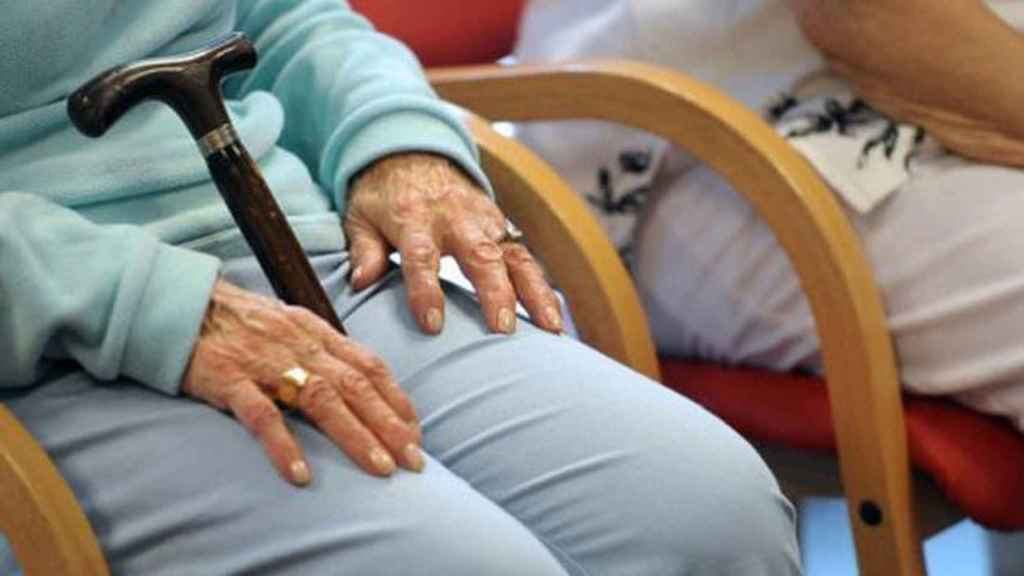 Una imagen de archivo de una personas anciana.