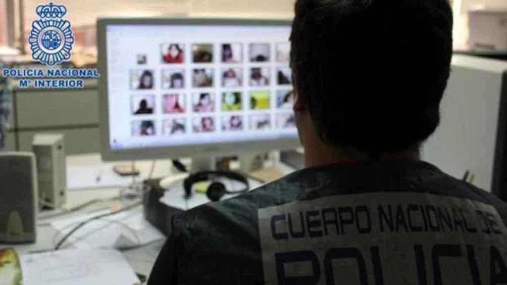 Operación de la Policía Nacional contra la pornografía infantil en internet.