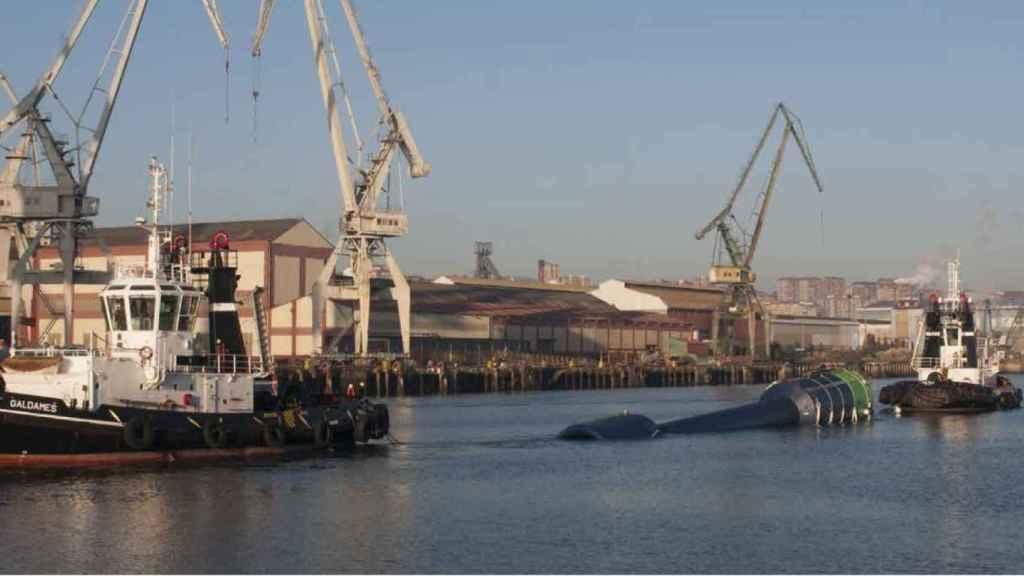 Prototipo para generar energía eléctrica a partir de olas instalado en Cantabria.