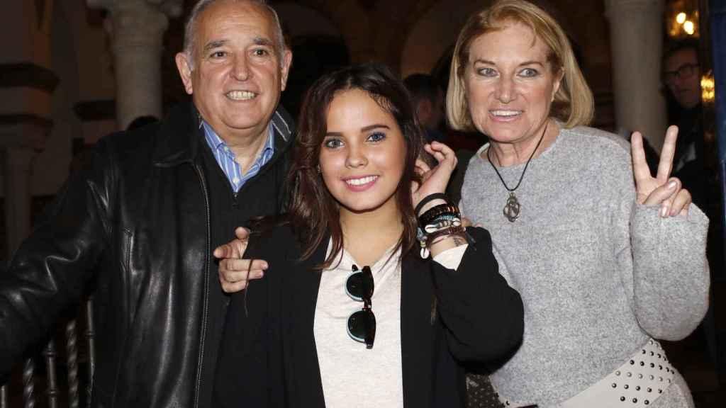 José Antonio Rodríguez y su mujer, Gloria Mohedano, junto a Gloria Camila.