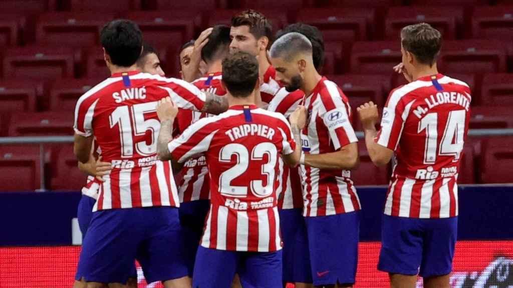 Los jugadores del Atlético de Madrid celebran uno de los goles de Álvaro Morata ante el Mallorca