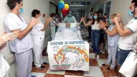 Marcos González de 63 años sale de la UCI tras 100 días de ingreso y más de 90 con respirador.  EFE/Morell