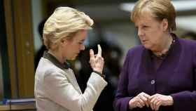 Ursula Von der Leyen y Angela Merkel.