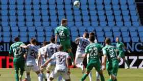 Duelo durante el partido entre el Celta y el Betis