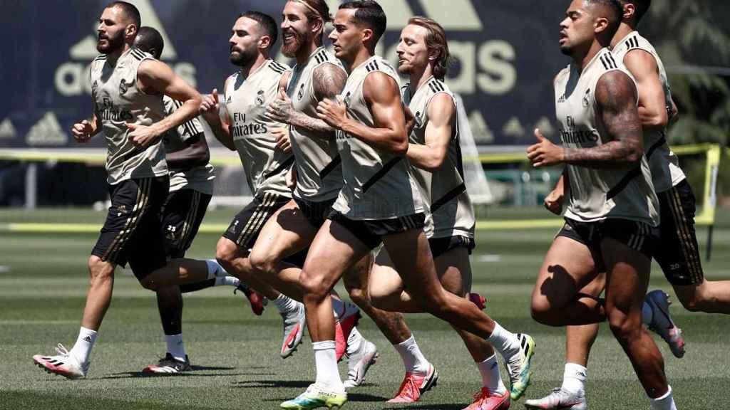 Los jugadores del Real Madrid en un entreno