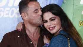 Marisa Jara junto a su nueva pareja sentimental en su último acto público.