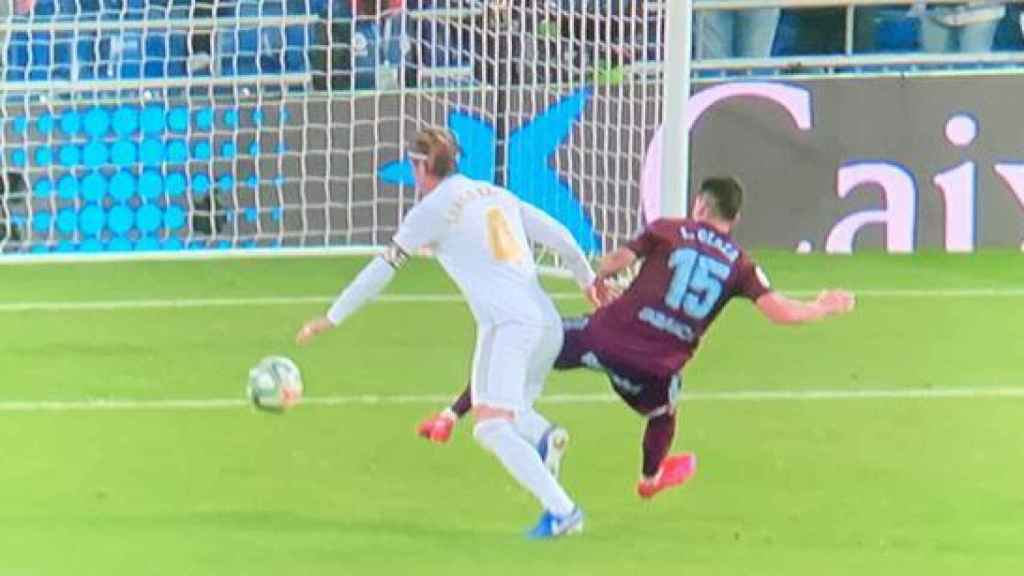 Jornada 24. Penalti a Sergio Ramos