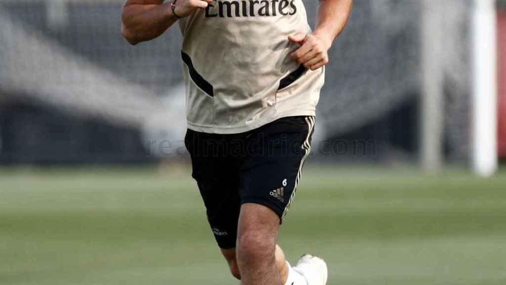 Nacho Fernández, entrenándose en solitario en la Ciudad Real Madrid
