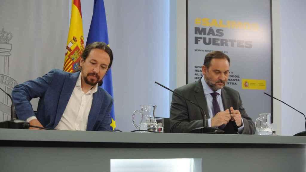 Pablo Iglesias y José Luis Ábalos, en la rueda de prensa posterior al Consejo de Ministros.