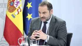 El ministro de Transportes, Movilidad y Agenda Urbana, José Luis Ábalos, interviene durante la rueda de prensa posterior al Consejo de Ministros en Moncloa, en Madrid (España), a 7 de julio de 2020.
