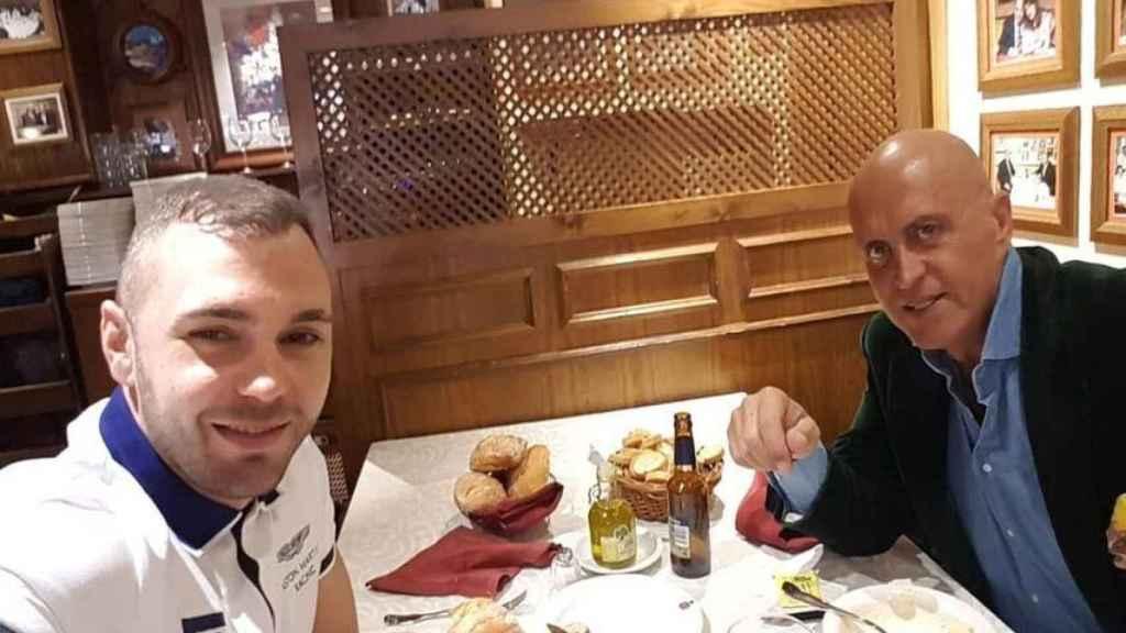 Cristian Suescun y Kiko Matamoros almorzando juntos.