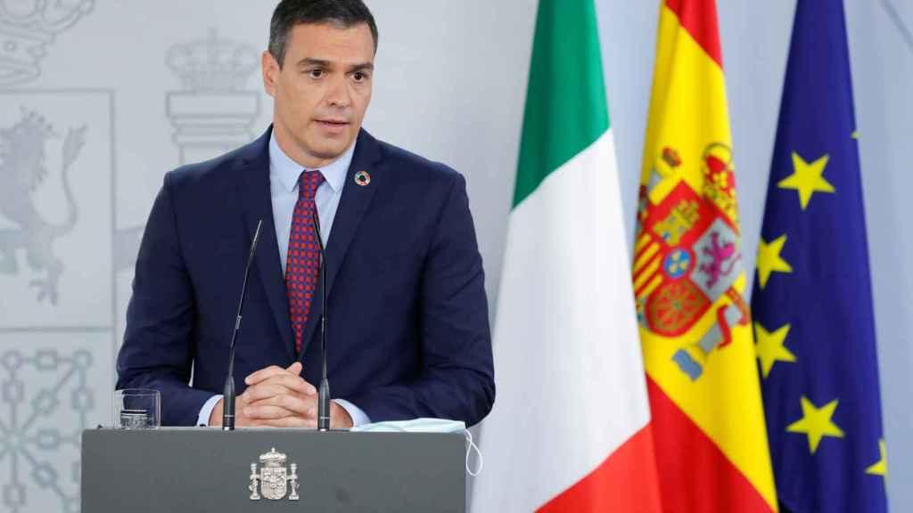 Pedro Sánchez durante la rueda de prensa conjunta con el primer ministro italiano, Giuseppe Conte.