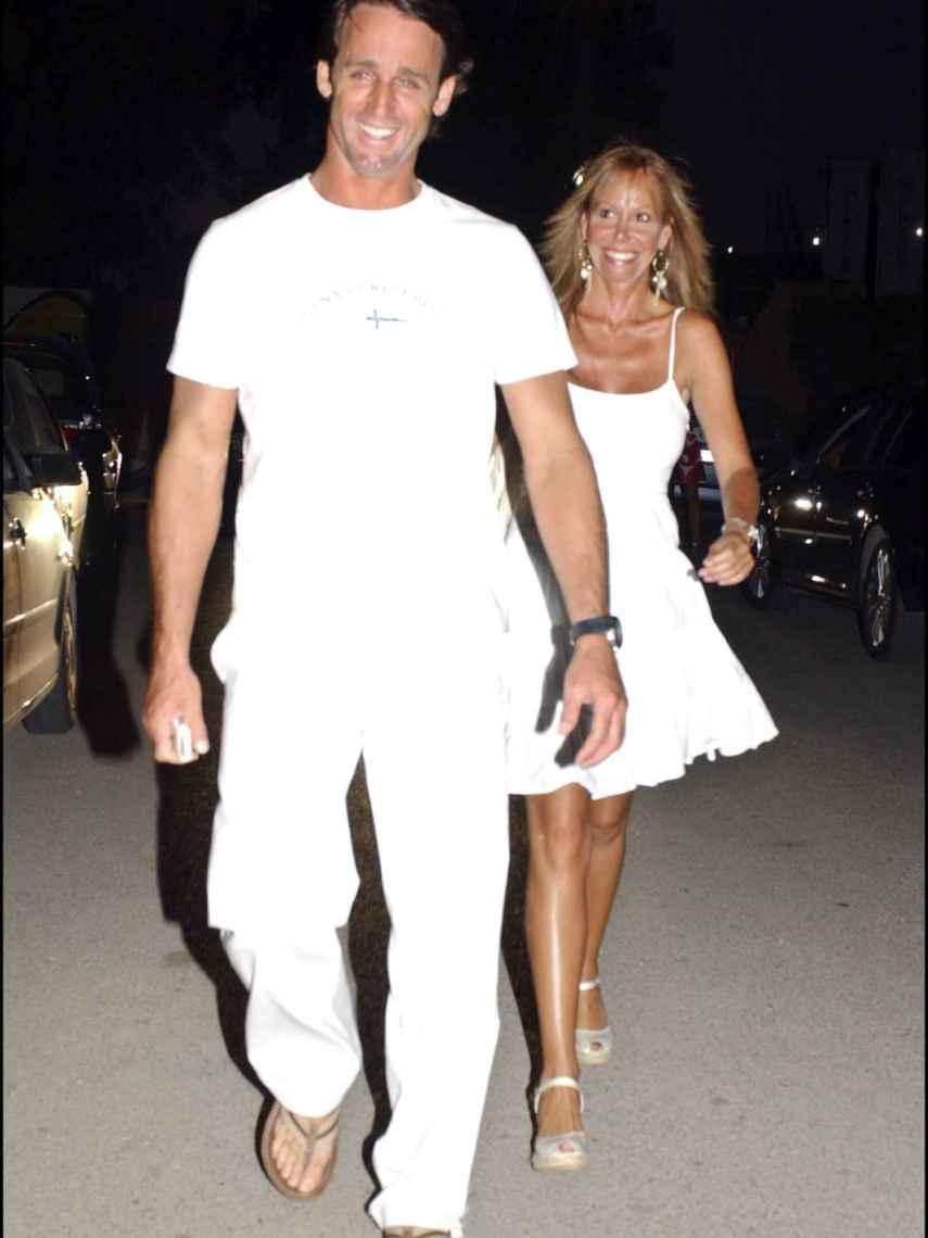 Lara Dibildos y Álvaro Muñoz Escassi, a principios de los 2000.