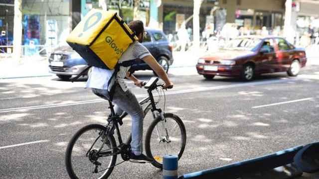 Un rider realizando un reparto, en una imagen de archivo.