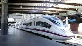 Andenes de la Estación de Atocha, en los trenes de alta velocidad.