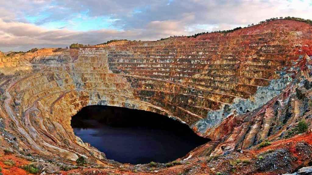 No sólo es Valdepeñas: las tierras raras y los minerales que le compramos a  China están por toda España