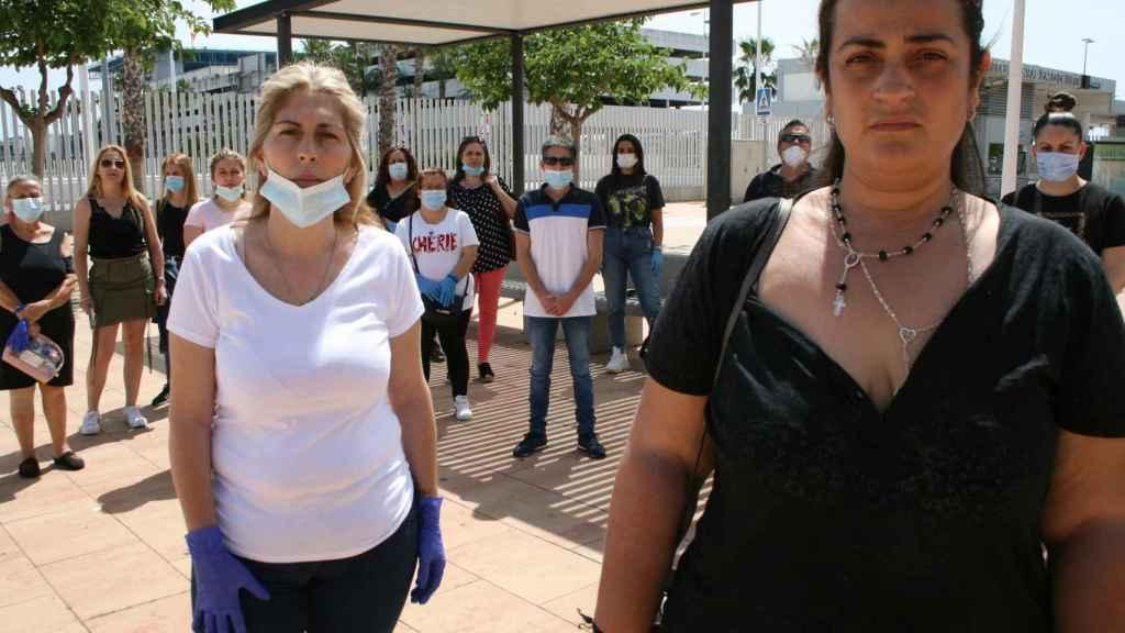 Rocío Muñoz (a la derecha) y Milagros Figueroa, las mujeres de Iván y Daniel.