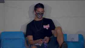 La mascarilla de James Rodríguez tras quedarse fuera de la convocatoria para el Real Madrid - Alavés