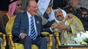 Juan Carlos I y el rey saudí Abdalá bin Abdulaziz en una imagen de archivo.