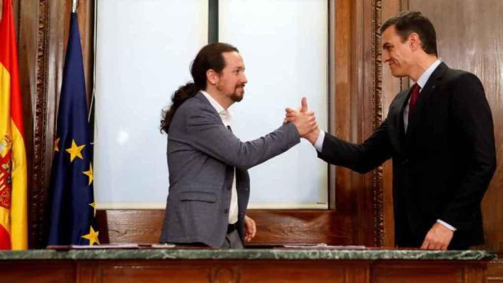 Pablo Iglesias y Pedro Sánchez. Efe