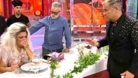 Lydia Lozano se atragantó con una espina del menú de Rafa Mora y Kiko Jiménez (Telecinco)