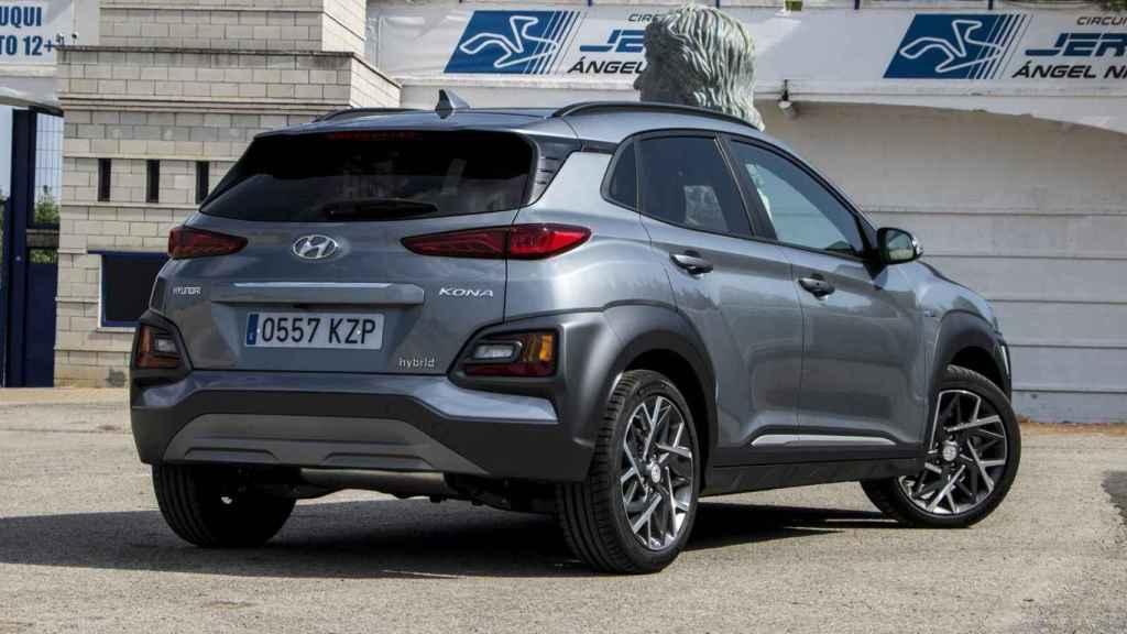 El Hyundai Kona Híbrido se caracteriza por tener la etiqueta ECO.