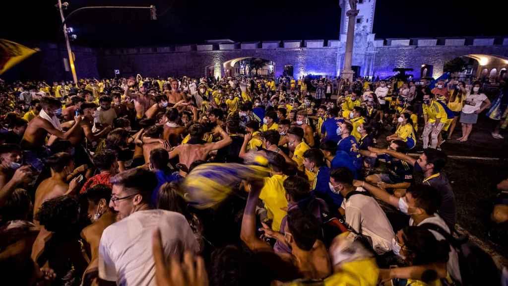 Celebración de aficionados del Cádiz