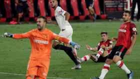En-Nesyri celebra su gol durante el Sevilla - Mallorca