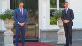 El presidente del Gobierno español, Pedro Sánchez junto al primer ministro holandés, Mark Rutte.
