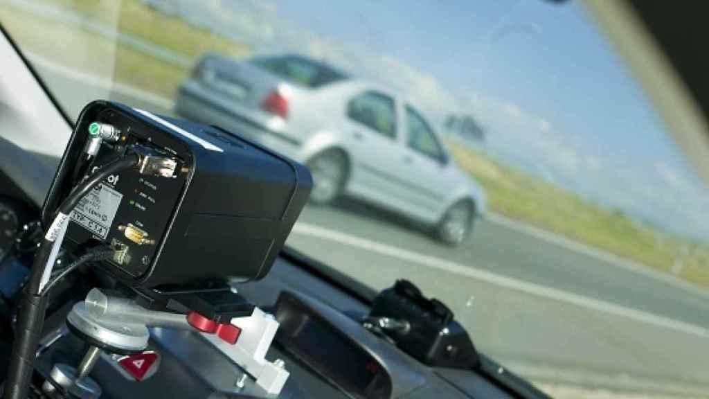 Uno de los radares móviles que emplea la DGT para controlar su velocidad.