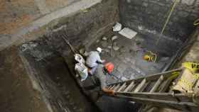 Los arqueólogos trabajando en la zona del palacio prehispánico