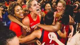 Delle Donne celebrando el título de la WNBA