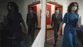 La ministra portavoz, María Jesús Montero, y el ministro de Sanidad, Salvador Illa, a su llegada para comparecer en rueda de prensa posterior al Consejo de Ministros