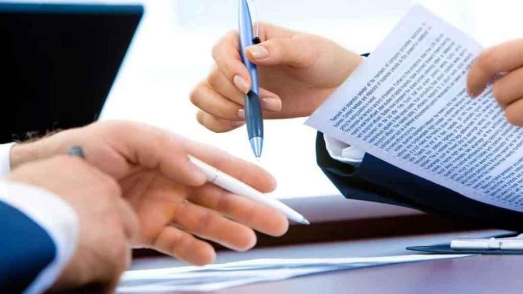 La firma física de contratos es algo que seguirá viéndose reducido durante los próximos años.