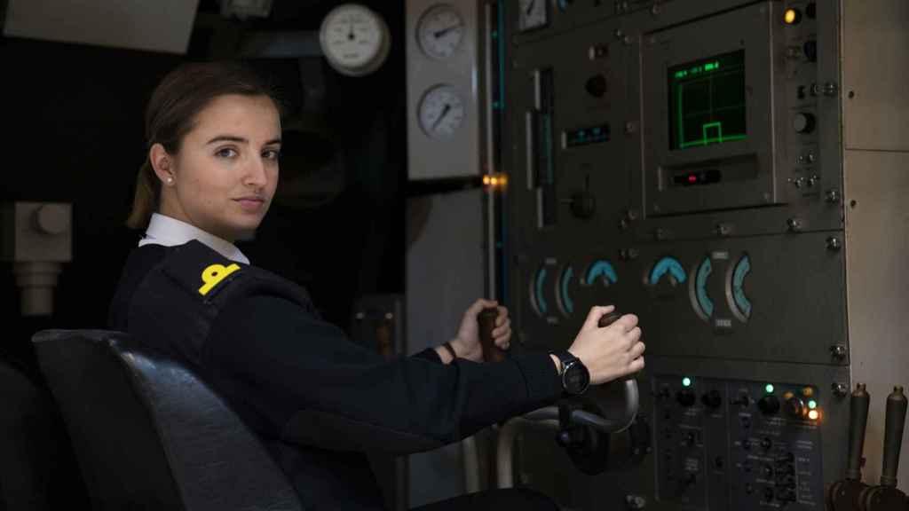Laura Vitalia González Martínez, en uno de los simuladores de la Escuela de Sumbarino.