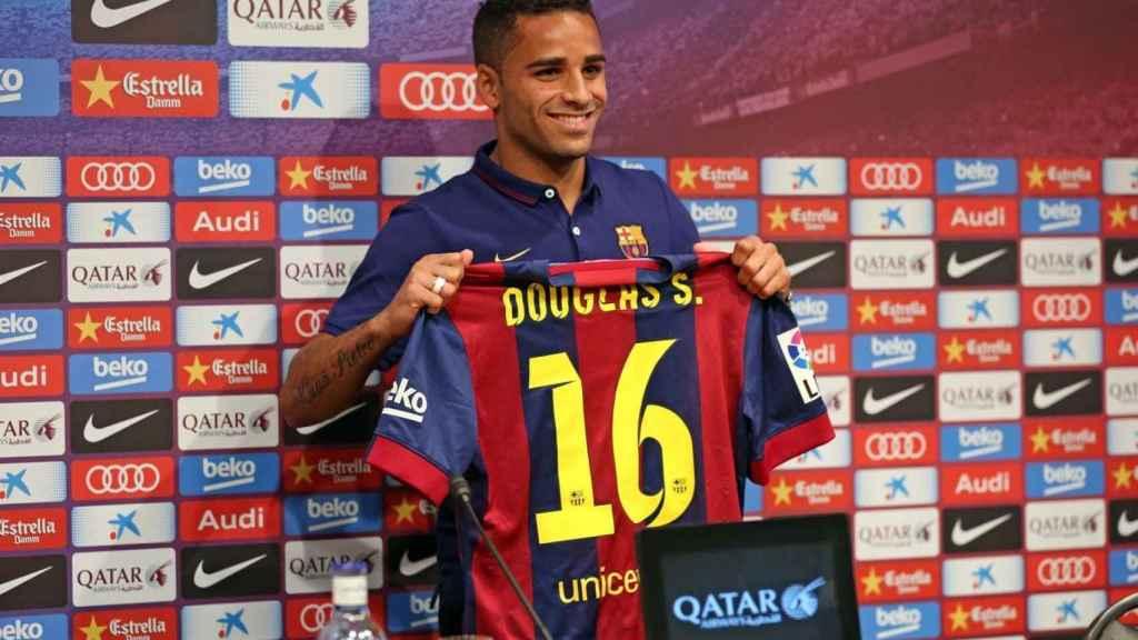 Douglas, en su presentación con el Barça
