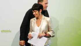 Arnaldo Otegi con la diputada de Bildu Maddalen Iriarte.