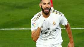Karim Benzema celebra su gol al Villarreal