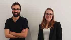 Los dos cofundadores de Sycai Technologies, Javier García y Sara Toledano.