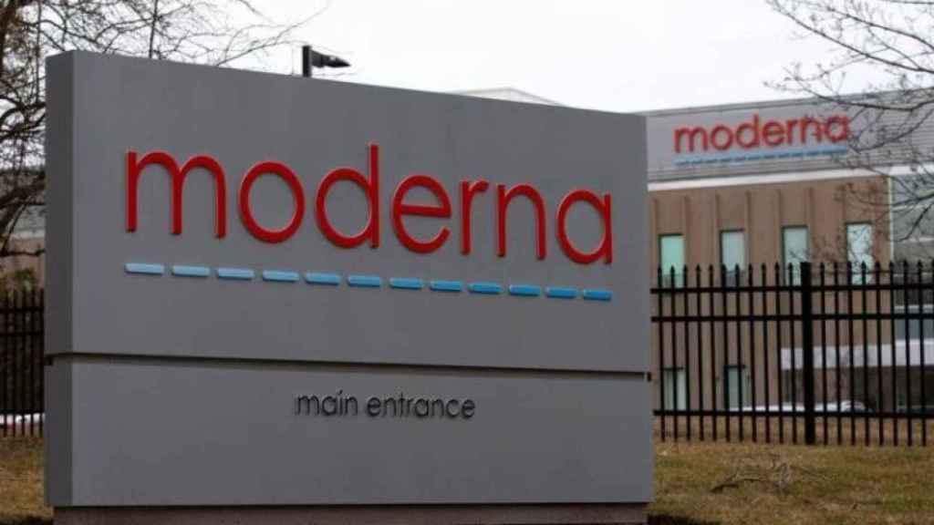 Entrada a una de las sedes de Moderna.