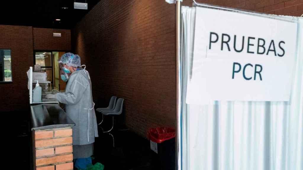 Una zona habilitada en un centro sanitario para la realización de pruebas PCR.