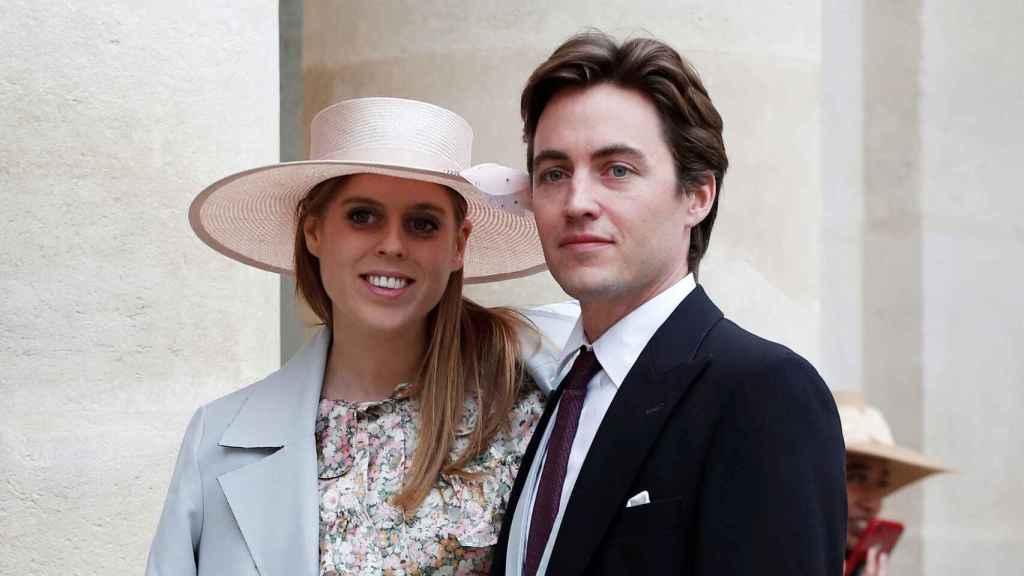 Beatriz y Edo, asistiendo a la boda de Meghan y Harry.