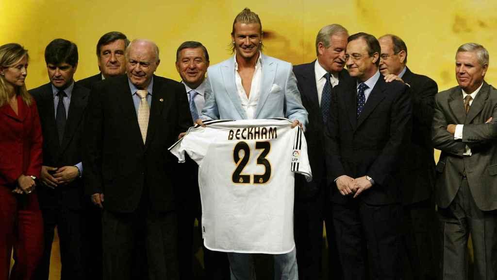 Presentación de Beckham con el Real Madrid