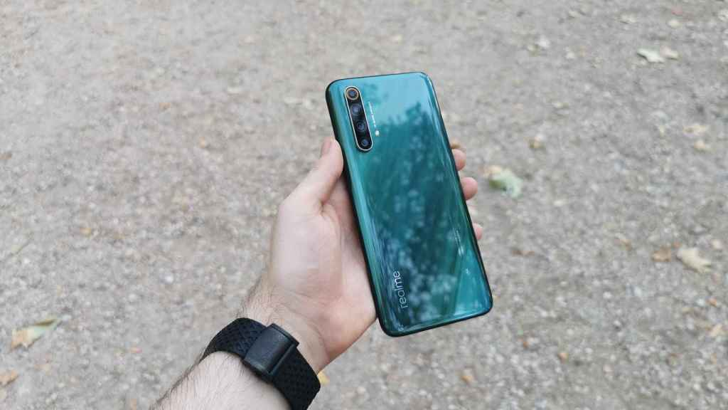 realme X50 5G.