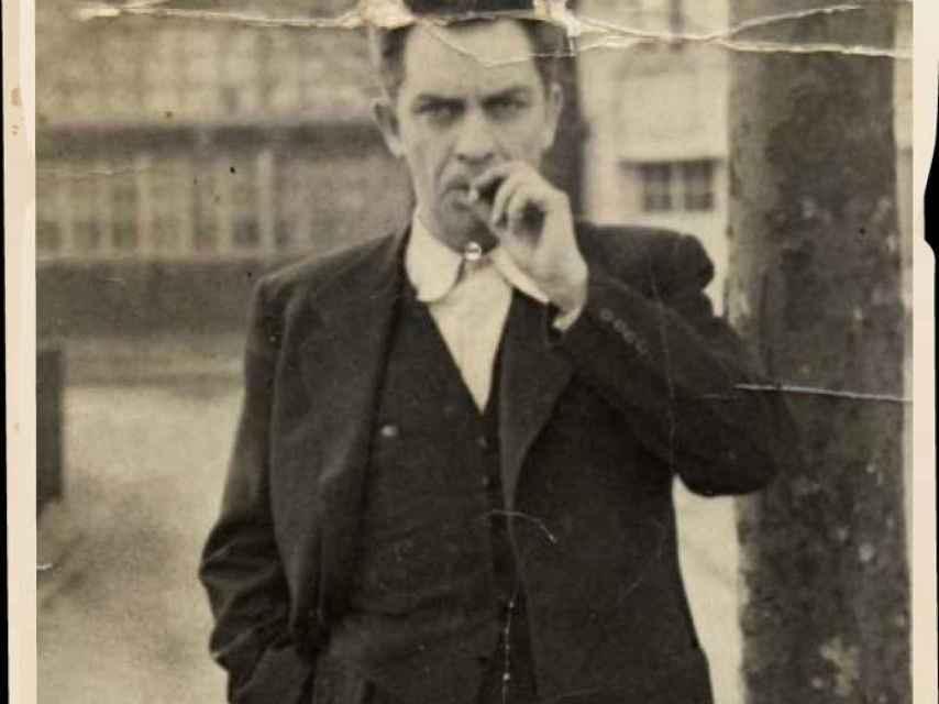 Manuel Chaves Nogales era un fumador empedernido.