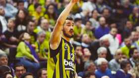 Nikola Kalinic con Fenerbahçe