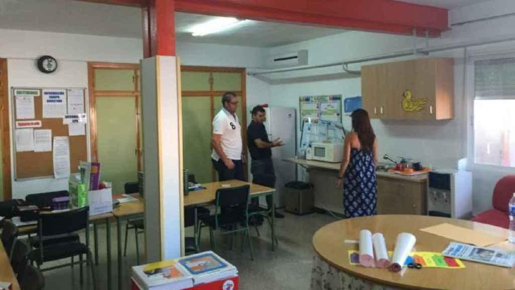 Carmen cursaba Primaria en el Colegio San Roque de Ceutí donde era una de las alumnas más queridas por el profesorado.